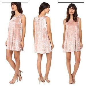 [BB DAKOTA] baby pink crushed velvet swing dress